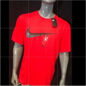 Nike T-Shirt With Hangtag Swoosh In Red 707456-657